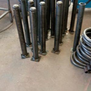 sabit park bariyeri üretimi demir delinatör duba metal delinatör otopark demir bariyer kaldırım dubası metal duba yol bariyeri flanşlı sabit bariyer