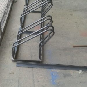 bisiklet park yeri standı sehpası park yerleri demiri boru bisiklet park etme yer fiyatları metal bisiklet park alanı demir fiyatı park modelleri ilgi trafik market imalatı