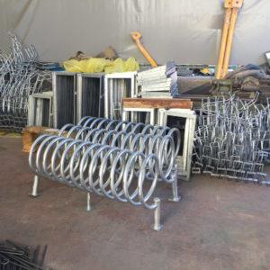 bisiklet park yeri standı sehpası park yerleri demiri spiral boru bisiklet park etme yer fiyatları metal galvanizli bisiklet park alanı demir fiyatı park sistemi ilgi trafik