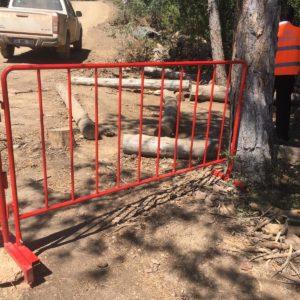 metal güvenlik bariyeri polis güvenlik barikatı demir bariyer artvin elektrik üretim barajı kırmızı portatif güvenlik bariyeri imalatı üretimi