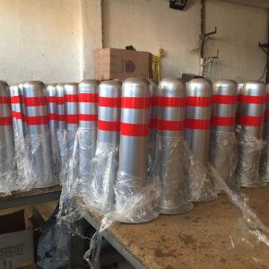sabit bariyer sabit park bariyeri demir delinatör duba metal delinatör otopark demir bariyer kaldırım dubası metal duba yol bariyeri flanşlı üretimi