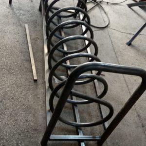 bisiklet park yeri standı sehpası park yerleri demiri bisiklet park etme yer fiyatları metal bisiklet park alanı imalatı demir fiyatı park modelleri spiral bisiklet park alanı
