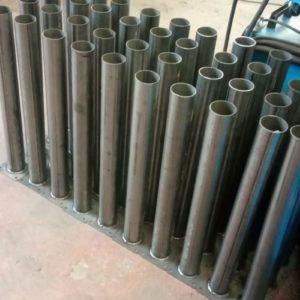 demir duba sabit park bariyeri metal delinatör otopark demir bariyer kaldırım dubası metal duba yol bariyeri flanşlı metal sabit bariyer imalatı üretimi