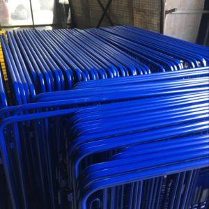 zabıta bariyeri mavi metal güvenlik bariyeri demir güvenlik bariyer trafik ürünleri trafik malzemeleri ilgi trafik sistemleri polis bariyeri üretimi