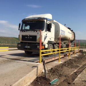 kantar sistemleri kantar bariyeri tır baskülleri tır kantarları kamyon baskül kenar koruma demirleri uyarı delinatörü imalatı üretimi ilgi trafik sistemleri