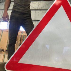 yol ver levhası yol ver trafik levhası anlamı uyarı levhası yol trafik tabelası normal performans yüksek performans levha fiyatı imalatı üretimi ankara