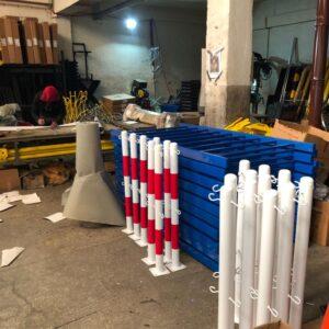 metal delinatör otoyol sabit park bariyeri otopark demir bariyer zincir metal duba metal güvenlik yol bariyeri 100 cm zincirli sabit bariyer zincirli bariyer kancalı imalatı