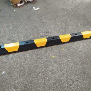 plastik araç stoperi otopark stoperi otopark araç stoperi stoper bariyer sistemi araç sonlandırma bariyeri teker yaslama bariyeri imalatı lastik bariyeri evelux