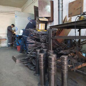 sabit bariyer metal delinatör otoyol sabit park bariyeri otopark demir bariyer ilgi trafik metal duba metal güvenlik yol bariyeri 50 cm imalatı sabit baba üretimi ankara