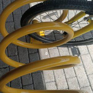 bisiklet park yeri bisiklet parkı 10 lu bisiklet park demiri bisiklet koyma yeri 10lu bisikletlik sarı apartman bisiklet park yeri demirleri bisiklet park alanı imalatı üretimi