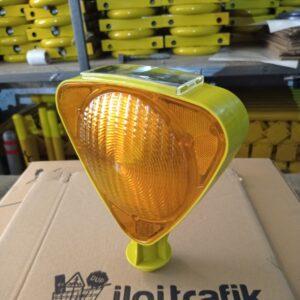 flaşör lamba kırmızı solar ledli güneş enerjili trafik lamba fiyatı solar flaşör uyarıcı sarı flaşör lamba power ledli ucuz ikaz lambası domuz kovucu ilgi trafik
