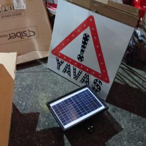 güneş enerjili ledli trafik levha fiyatları trafik levhaları ve özellikleri yol bakım uyarı levhaları fiyatları üretimi imalatı ledli levha ilgi trafik market