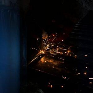 kaynak yapımı gal altı kaynak ışık gazaltı kaynak makinası gazaltı kaynağı nasıl yapılır demir kaynağı nasıl yapılır ilgi trafik market metal güvenlik bariyeri imalatı