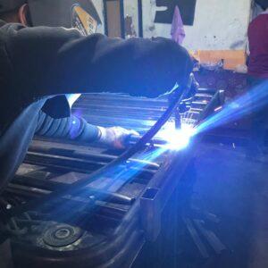 kaynak yapımı gal altı kaynak ışık gazaltı kaynak makinası gazaltı kaynağı nasıl yapılır demir kaynağı nasıl yapılır ilgi trafik sistemleri metal güvenlik bariyeri üretimi