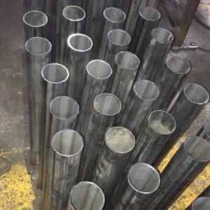 metal duba metal delinatör sabit bariyer metal bariyer metal otopark bariyeri demir duba sabit demir duba demir delinatör demir araç bariyeri kaldırım dubası kaldırım demir duba fiyatı