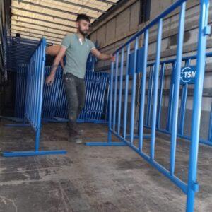 metal güvenlik bariyeri polis bariyeri demir bariyer trafik ürünleri trafik malzemeleri mavi zabıta bariyeri toptan imalatı üretimi ilgi trafik sistemleri zabıta barikatı üretimi