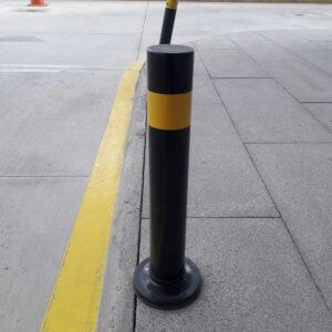 sabit baba metal duba demir duba metal koruma bariyeri araç koruma sistemleri siyah metal duba kaldırım dubası kaldırım demiri imalatı üretimi ilgi trafik sistemleri