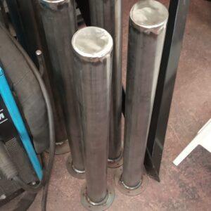 sabit park bariyeri demir delinatör duba metal delinatör otopark demir bariyer 75 cm kaldırım dubası metal duba yol bariyeri flanşlı sabit bariyer imalatı üretimi