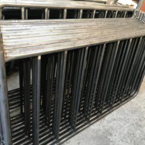 metal güvenlik bariyeri metal bariyer zabıta bariyeri demir güvenlik bariyer trafik ürünleri trafik malzemeleri polis bariyeri demir bariyer imalatı üretimi