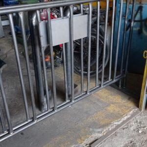 metal güvenlik bariyeri metal bariyer zabıta bariyeri demir güvenlik bariyer trafik ürünleri trafik malzemeleri polis bariyeri demir bariyer üretimi imalatı ilgi trafik