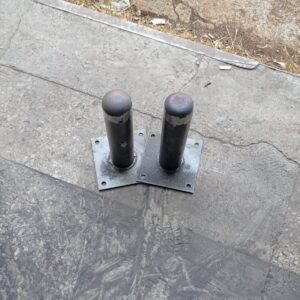 sabit park bariyeri demir delinatör duba metal delinatör otopark demir bariyer kaldırım dubası metal duba yol bariyeri flanşlı reflektörlü sabit bariyer 30 cm