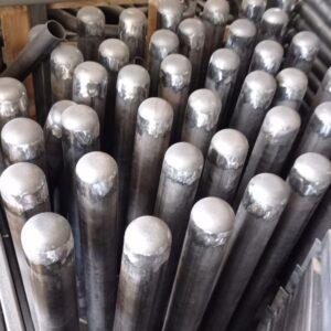 sabit park bariyeri demir delinatör duba metal delinatör otopark demir bariyer kaldırım dubası metal duba yol bariyeri flanşlı reflektörlü sabit bariyer metal kepli 75 cm