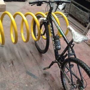 sarı bisiklet park yeri bisiklet parkı 10 lu bisiklet park demiri bisiklet koyma yeri bisikletlik apartman bisiklet park yeri demirleri spiral bisiklet park alanı ilgi trafik